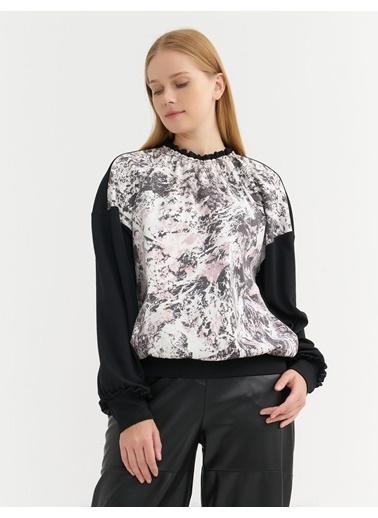 BGN Siyah - Yakası Fırfırlı Desenli Sweatshirt Siyah